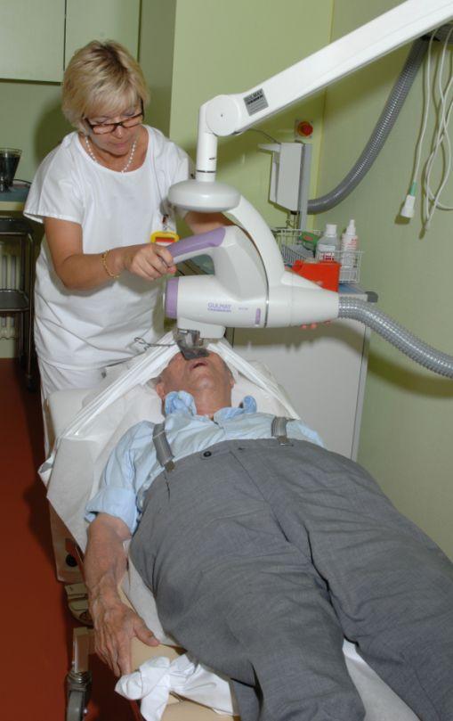 Prof. - Lars E. French - UniversitätsSpital Zürich - Behandlung