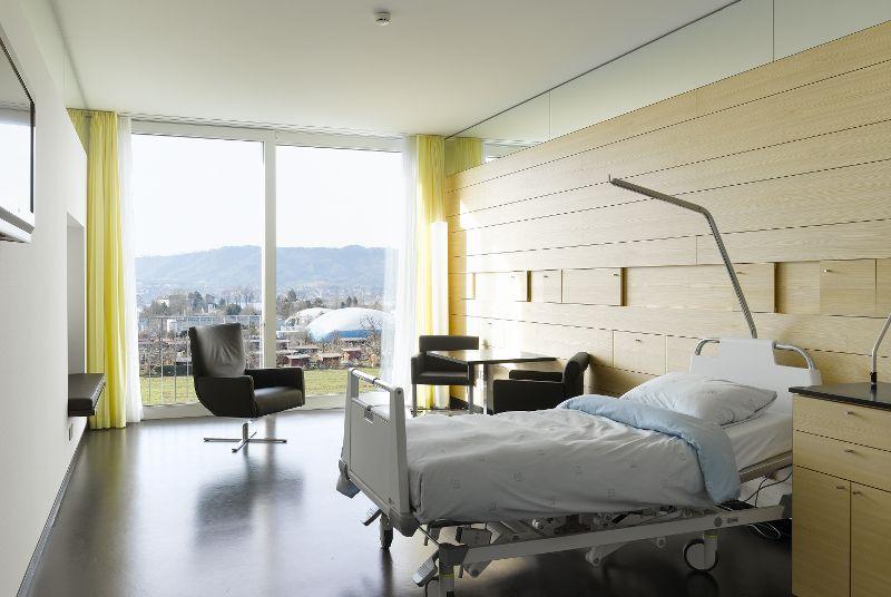 Prof. - Ralf Werner Baumgartner - Klinik Hirslanden - Patientenzimmer