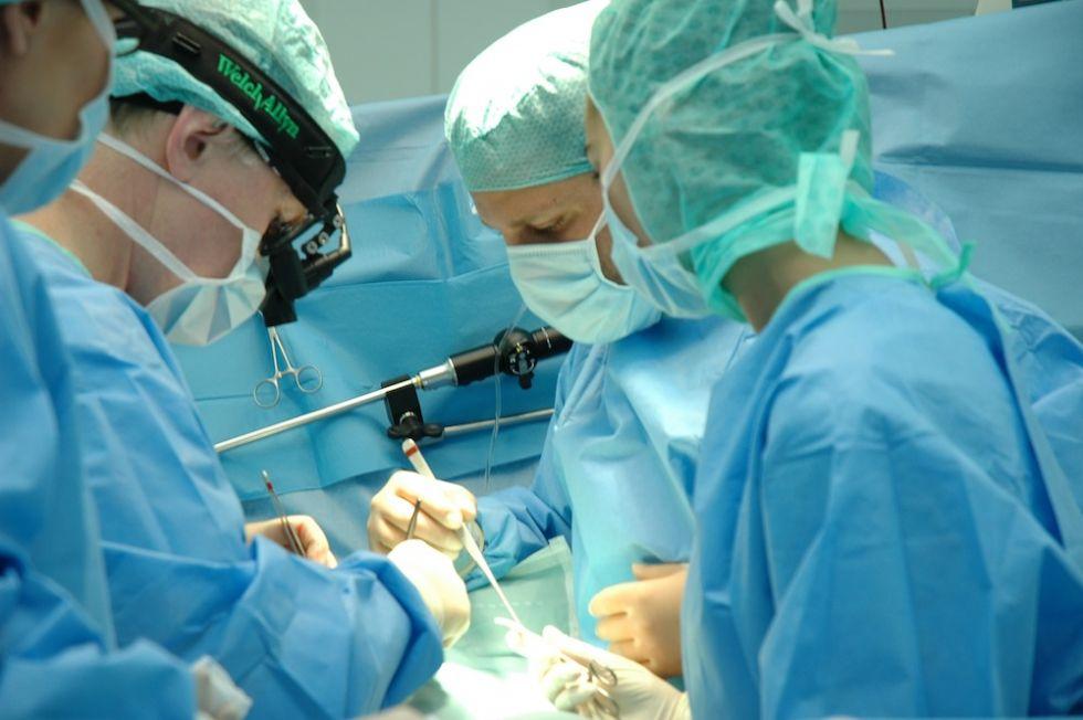 Prof. - Boulos Asfour - Asklepios Klinik Sankt Augustin GmbH - Operation