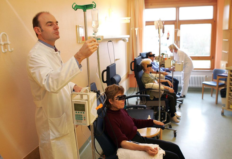 Prof. - Uwe Martens - SLK-Kliniken Heilbronn GmbH – Klinikum am Gesundbrunnen  Tumorzentrum Heilbronn-Franken - Behandlungszimmer