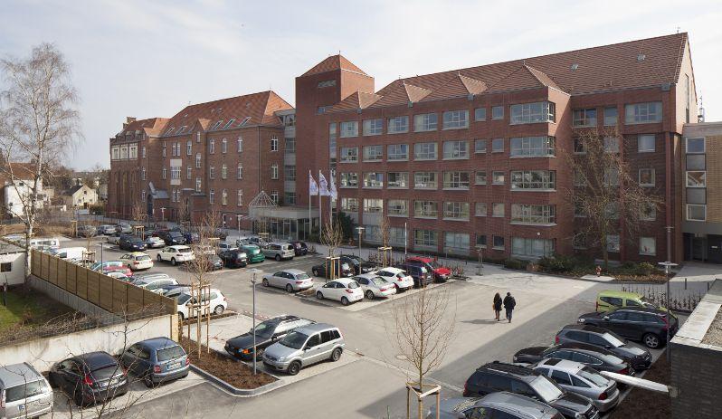Prof. - Hans-Udo Zieren - St. Agatha Krankenhaus Köln - Außenansicht