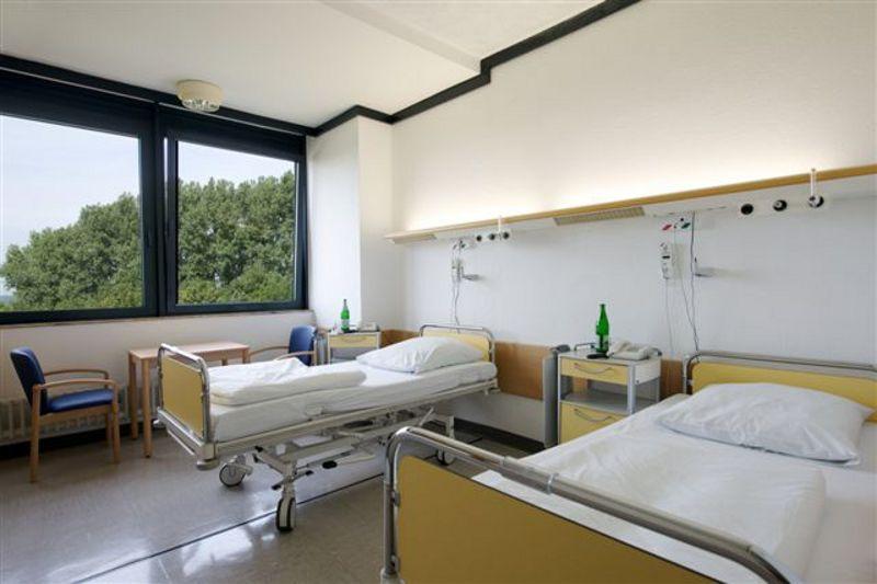 Prof. - Ulrich Costabel - Ruhrlandklinik, Westdeutsches Lungenzentrum am Universitätsklinikum Essen gGmbH - Patientenzimmer
