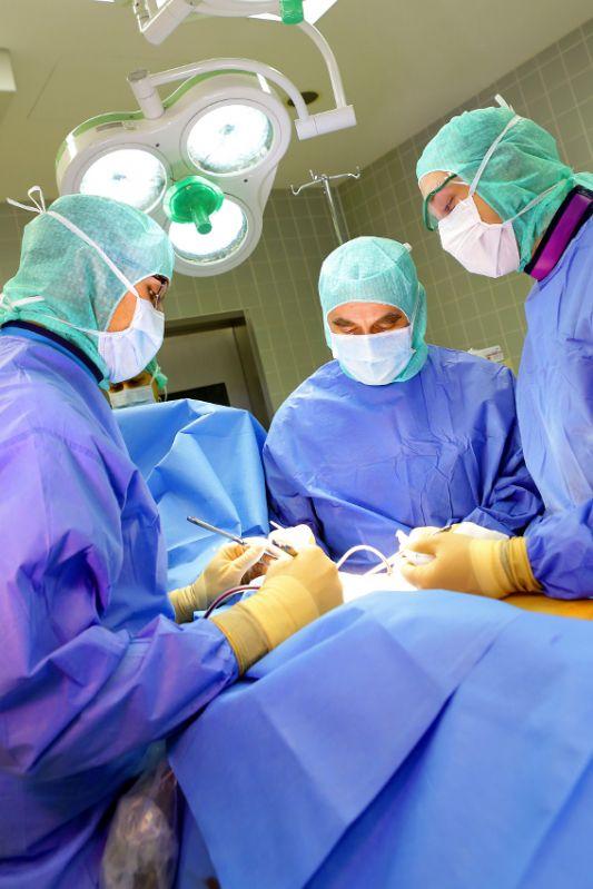 Zentrum für Gelenkmedizin und Wirbelsäulenchirurgie - HELIOS Klinikum Emil von Behring GmbH - Operation