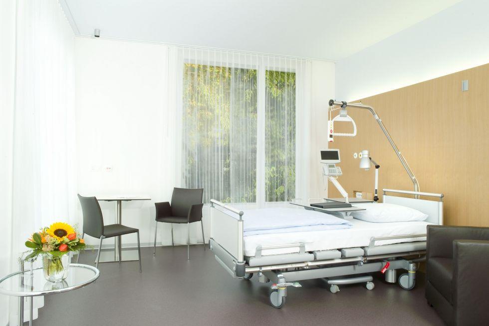 Prof. - Christoph A. Maurer - Hirslanden-Klinik Beau-Site