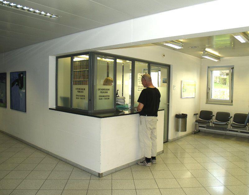 Universitätsklinik für Orthopädische Chirurgie und Traumatologie  - Inselspital, Universitätsspital Bern - Empfangsbereich