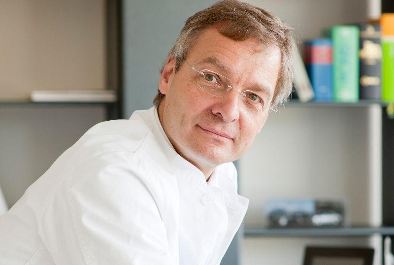 Dr. - Bernward H. Mölle - Chirurgische Praxis Dr. med. Bernward H. Mölle & Hirslanden Klinik St. Anna in Luzern - Experte