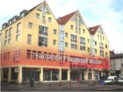 Prof. - Karl Sterzik - Praxisklinik Frauenstraße Ulm - Außenansicht