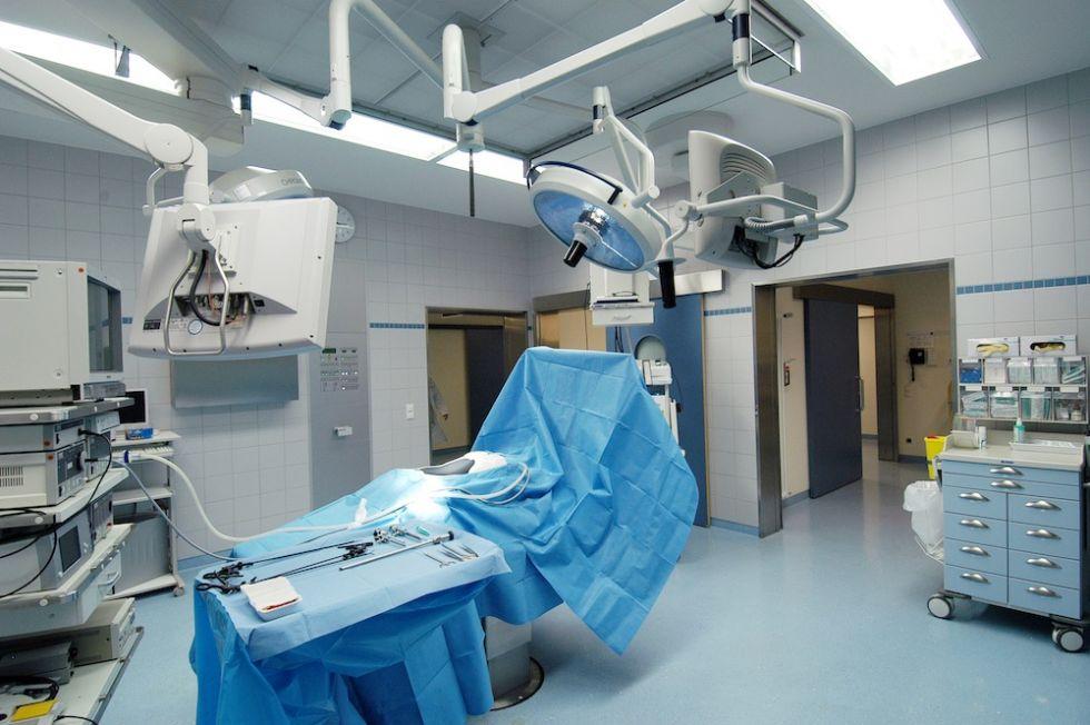 Prof. - Thomas P. Hüttl - Chirurgische Klinik München-Bogenhausen GmbH - Operationssaal