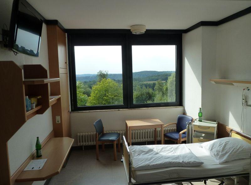 Prof. - Lutz Freitag - Ruhrlandklinik - Patientenzimmer