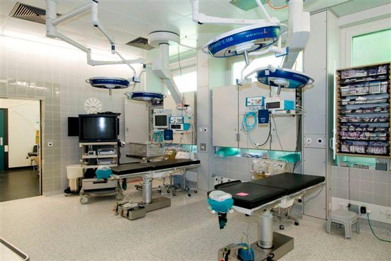 Prof. - J. Thomas Lambrecht - Universitätskliniken für Zahnmedizin - Operationssaal
