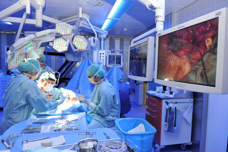 Prof. - Marco Domenico Caversaccio - Inselspital Bern - Operation