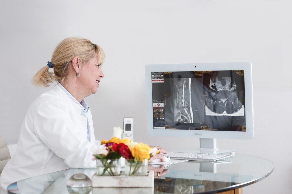 Dr. - Simone Heymann - Praxis für Neurochirurgie & Schmerztherapie - Dr. med. Dipl. Psych. Simone Heymann