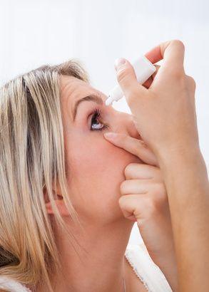 medikamentöse Augenbehandlung