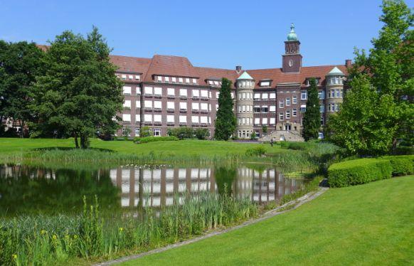 Dr. - Gerd Rudolf Lulay - Gesundheitszentrum Rheine: Mathias Spital  - Außenansicht