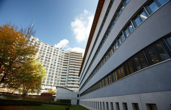 Prof. - Andreas Raabe - Inselspital Bern - Klinikgelände