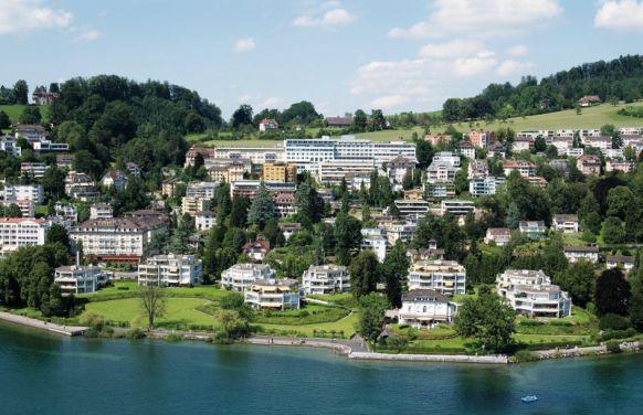Dr. - Bernward H. Mölle - Chirurgische Praxis Dr. med. Bernward H. Mölle & Hirslanden Klinik St. Anna in Luzern - Klinikstandort